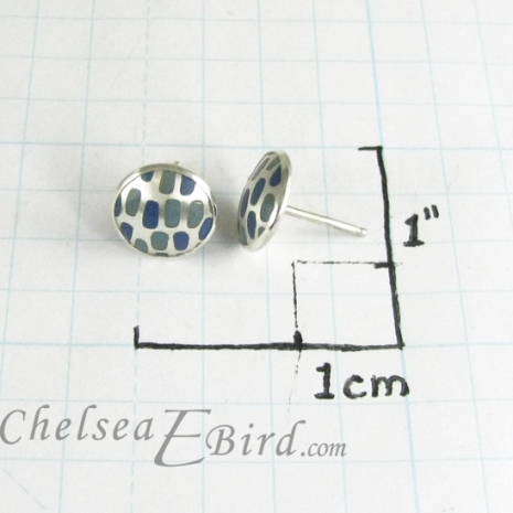 Chelsea Bird Designs Pixel Small Round Enameled Studs Size