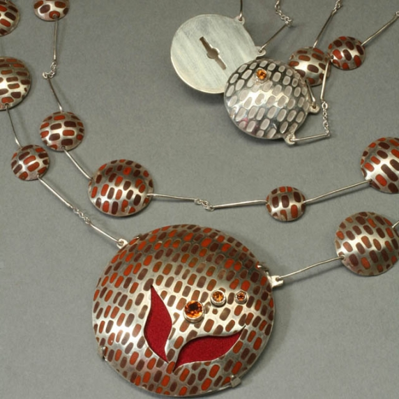 necklace_detailwm.jpg